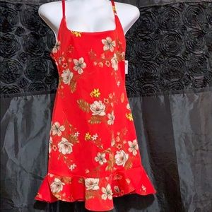 🌺 Red flowered spaghetti strapped dress 🌺